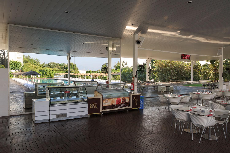 Image pool_restaurant3.jpg