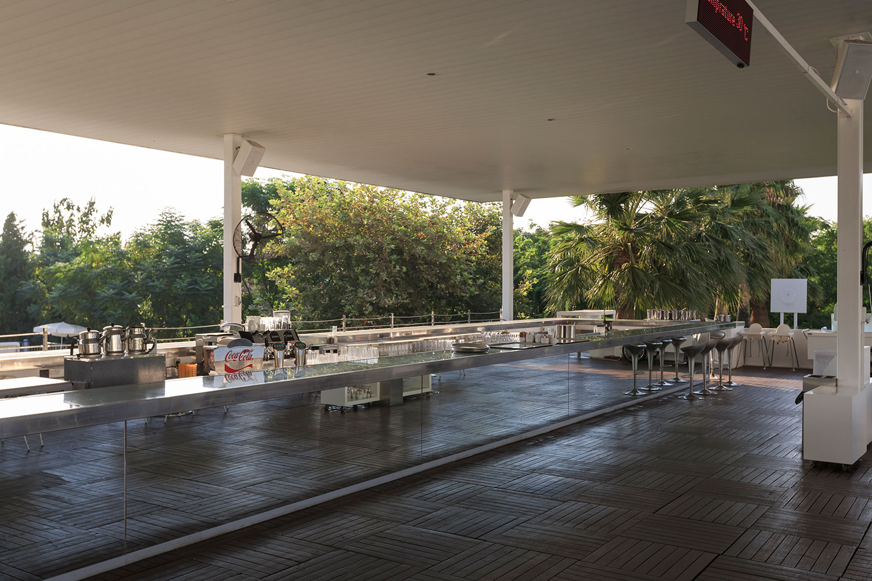 Image pool_restaurant4.jpg