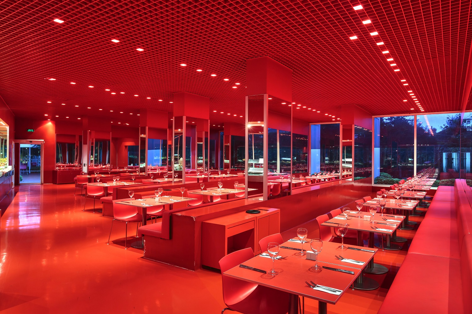 Image red_restaurant1.jpg