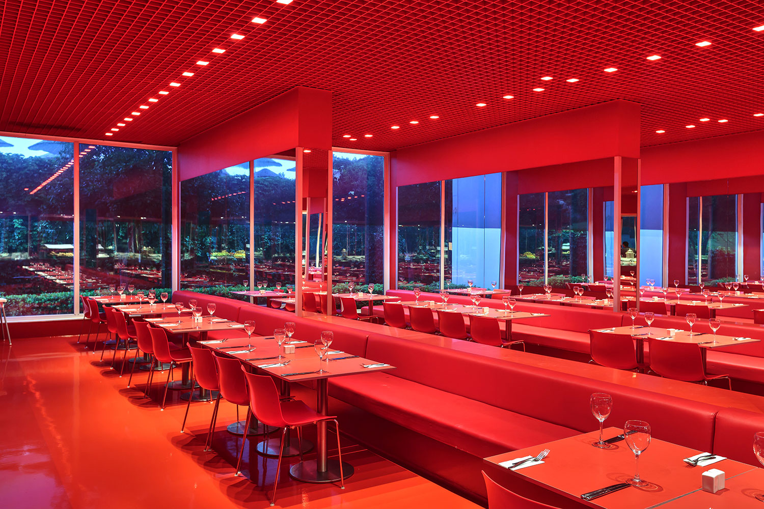 Image red_restaurant4.jpg