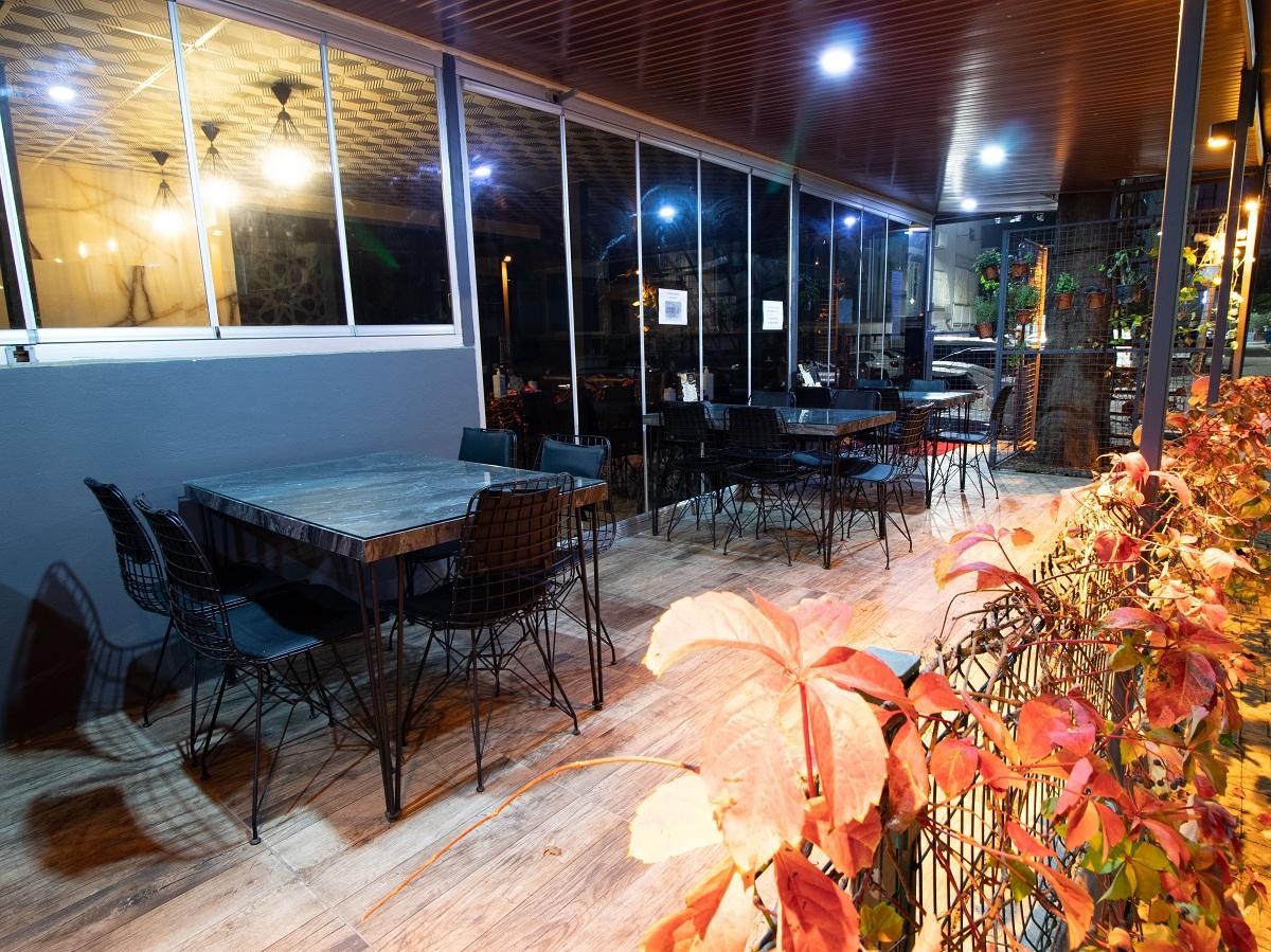 restaurantttt.jpg