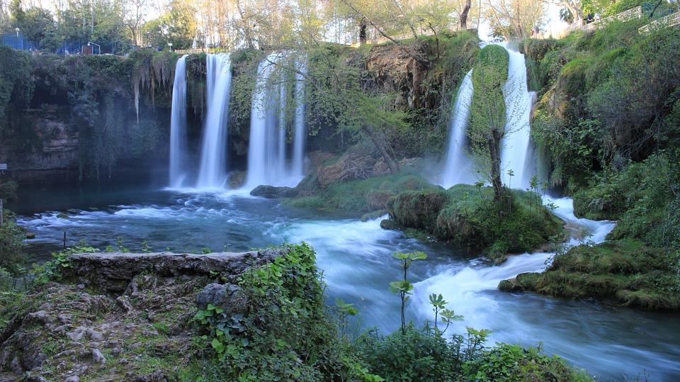 waterfall-523544_960_720.jpg