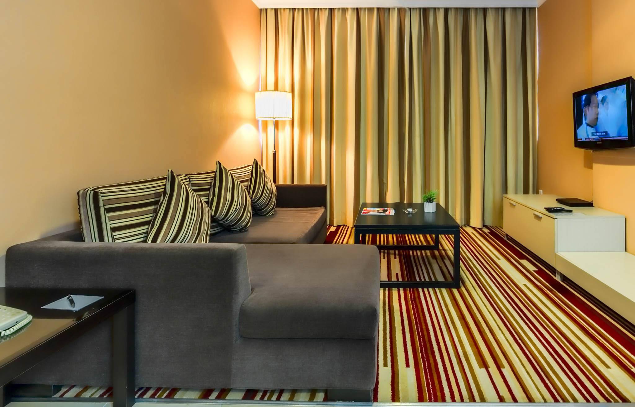 Image es-livingroom-6.jpg