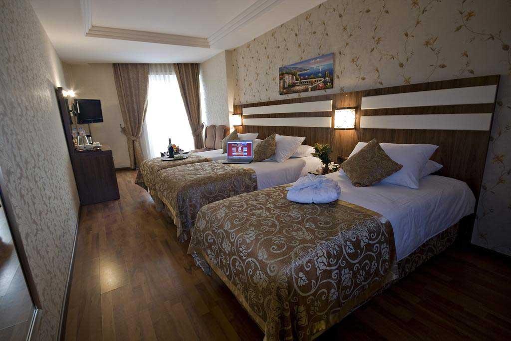 triple-room.jpg