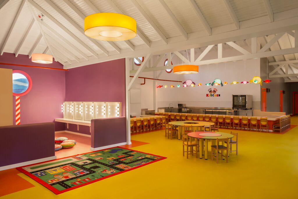 Santai-Mini-Club-indoor.jpg