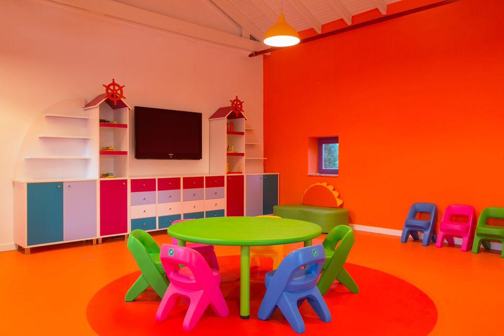 Santai-Petit-Club-indoor.jpg