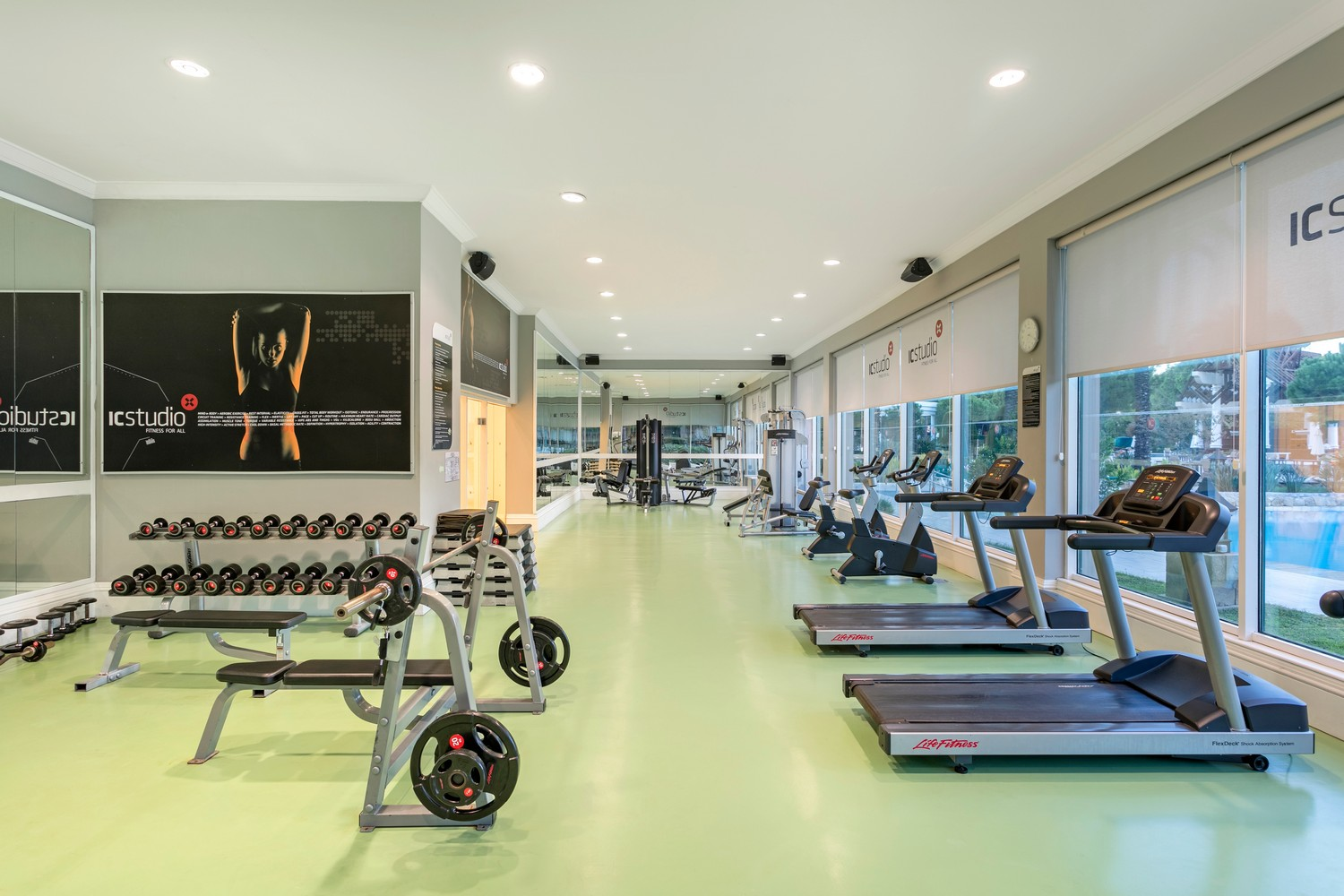 ic_hotels_green_palace__fitness_center_1.jpg