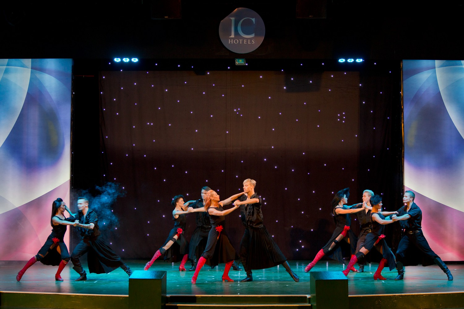 ic_hotels_green_palace_evening_show_19.jpg