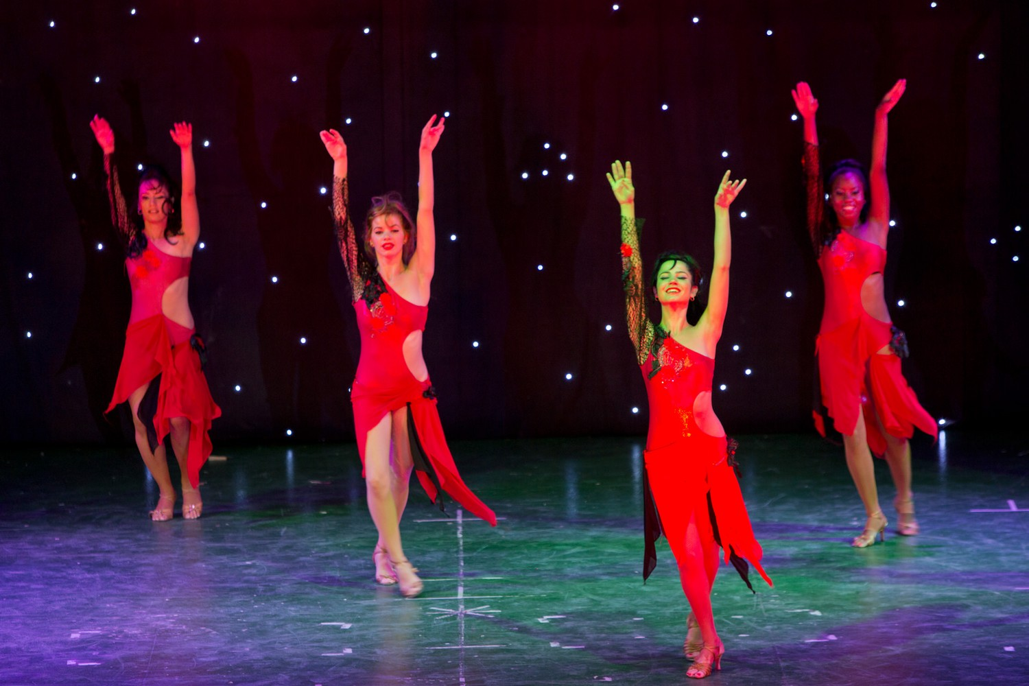 ic_hotels_green_palace_evening_show_29.jpg