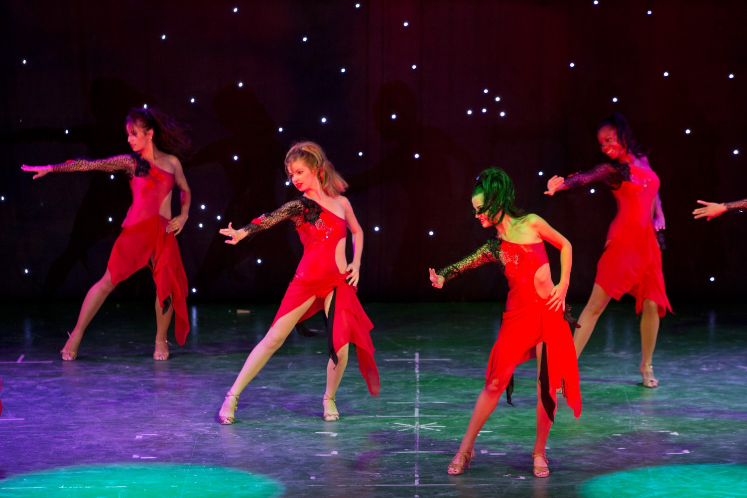 ic_hotels_green_palace_evening_show_30.jpg