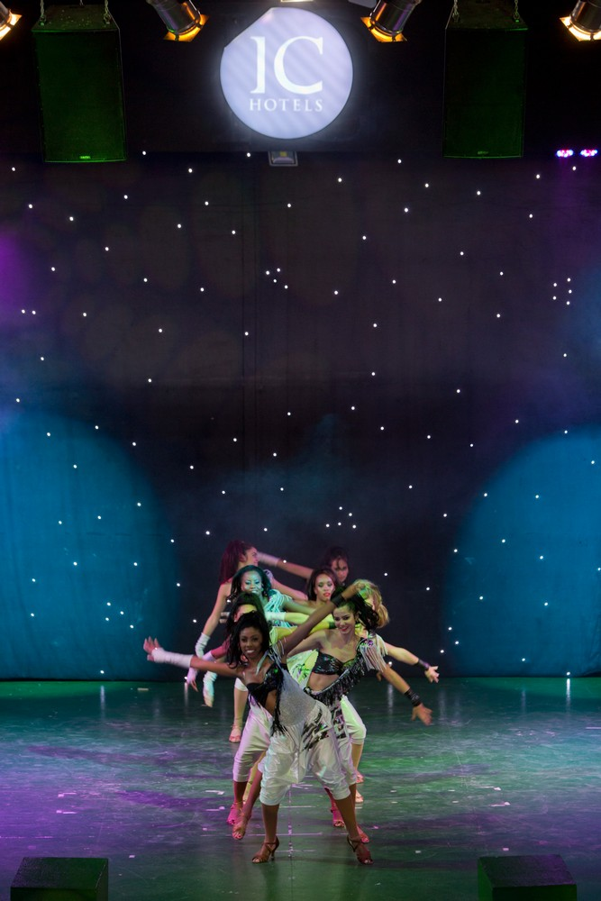 ic_hotels_green_palace_evening_show_33.jpg