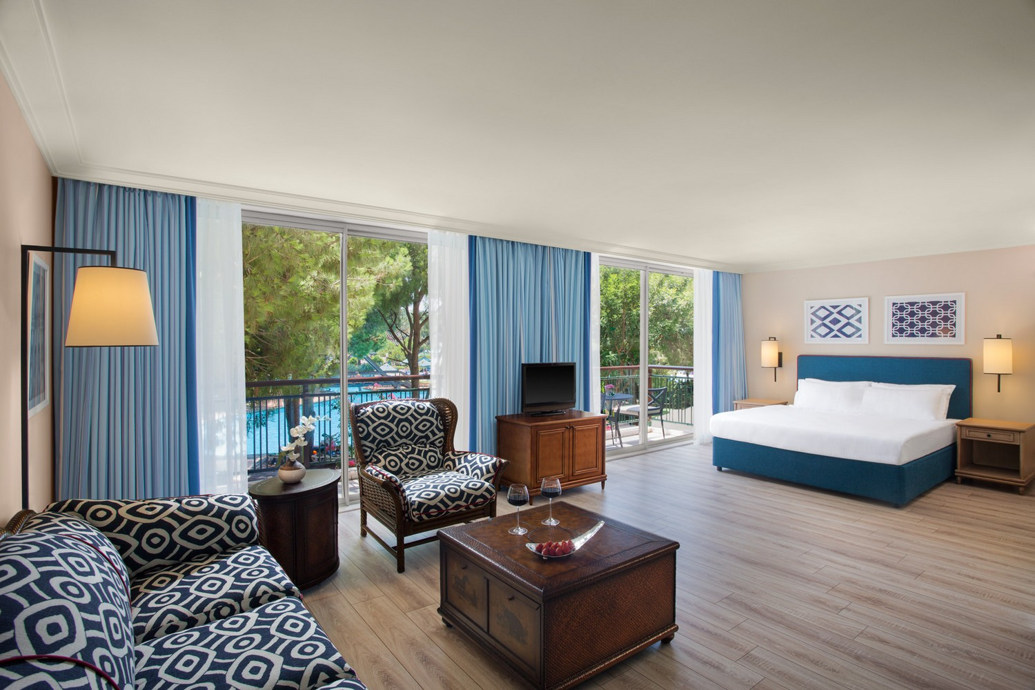 ic_hotels_green_palace_junior_suite_1.jpg