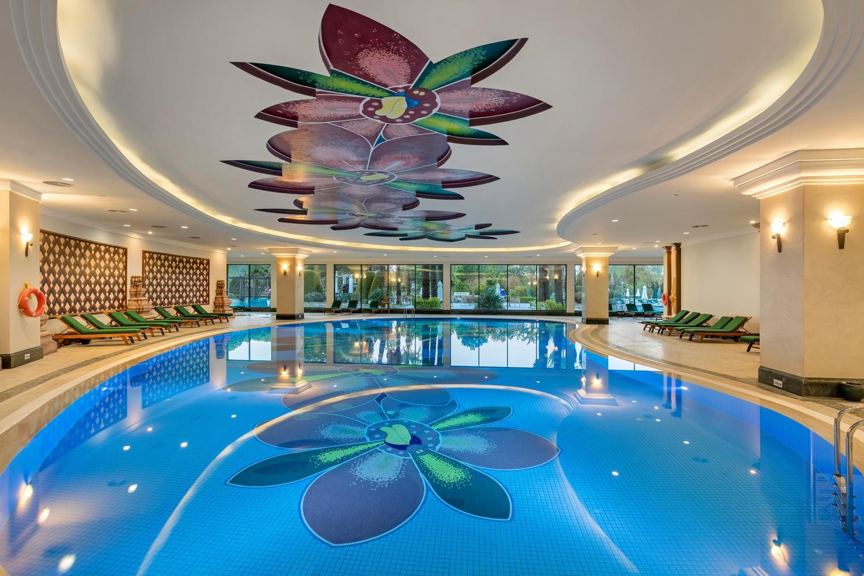ic_hotels_green_palace_kapali_havuz__3.jpg