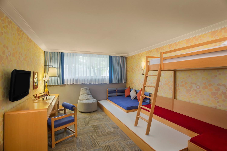 ic_hotels_green_palace_kids_suite_kids_bedroom.jpg