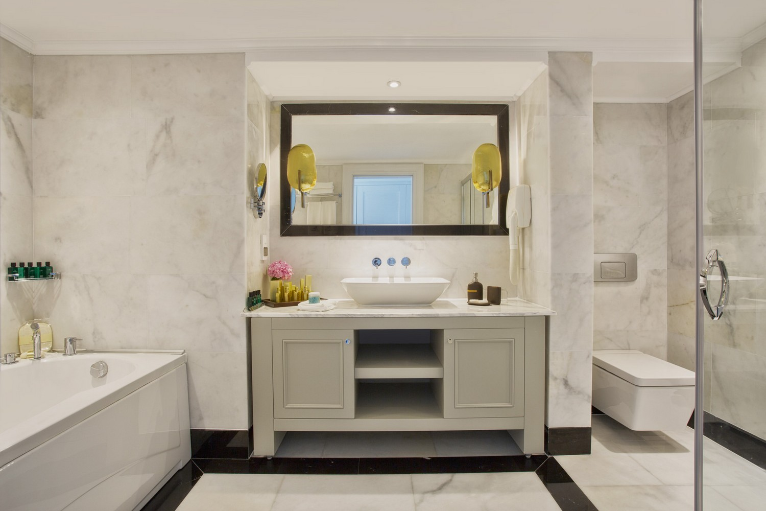 ic_hotels_green_palace_king_suite_1.jpg