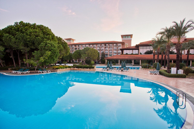 ic_hotels_green_palace_pool_1.jpg