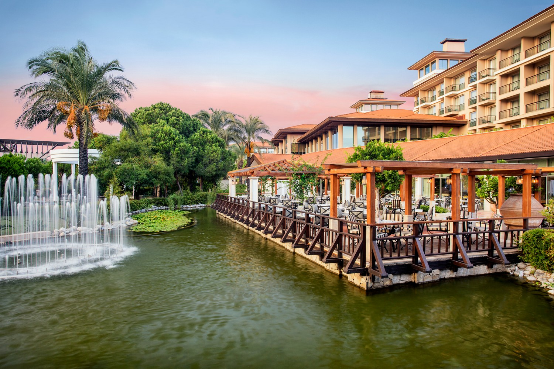 ic_hotels_green_palace_sofra_restaurant_(terrace)_2.jpg