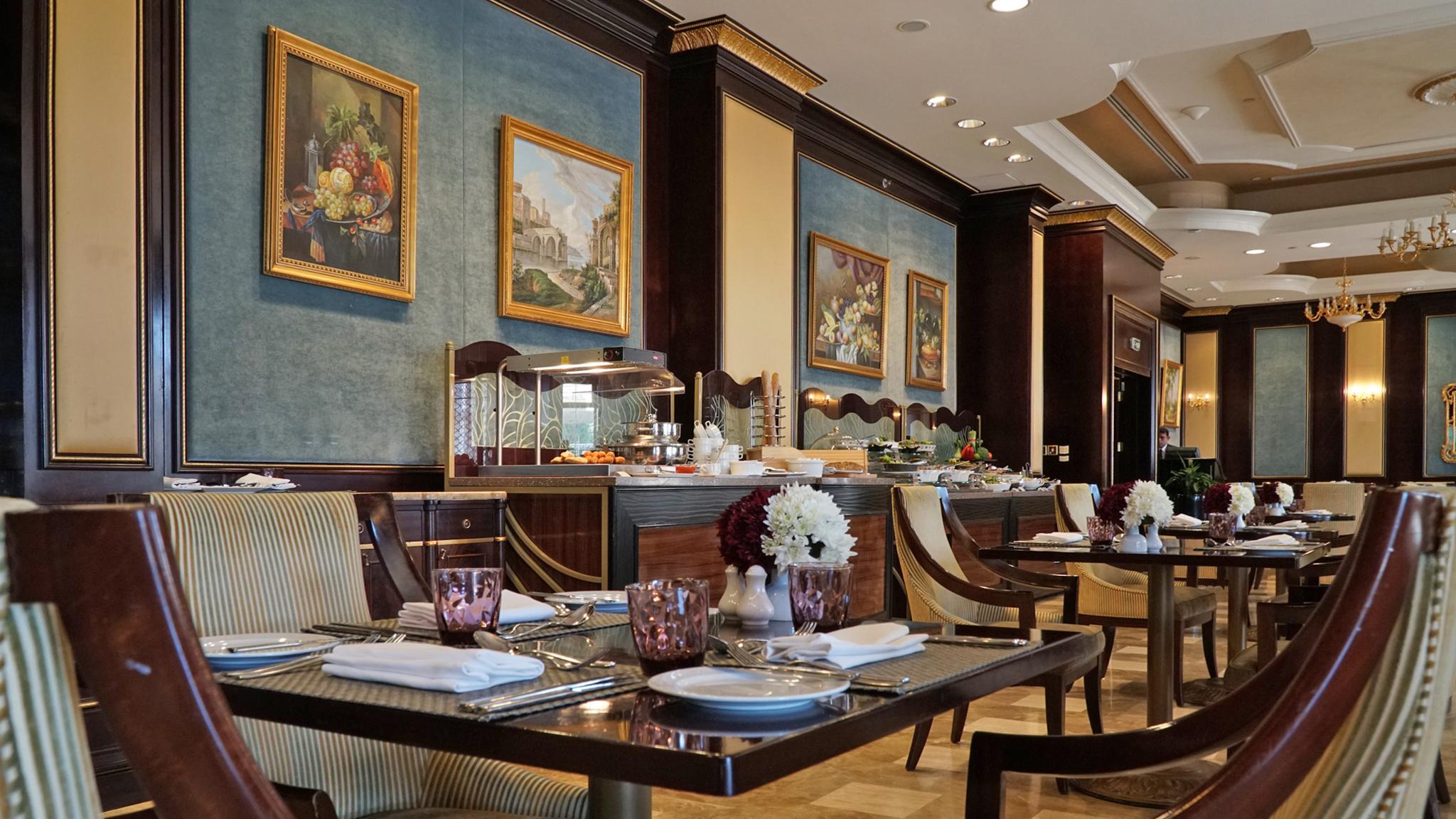 Flavours_Restaurant.jpg