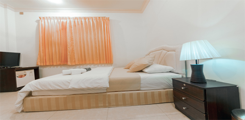 fmy-room-2.jpg