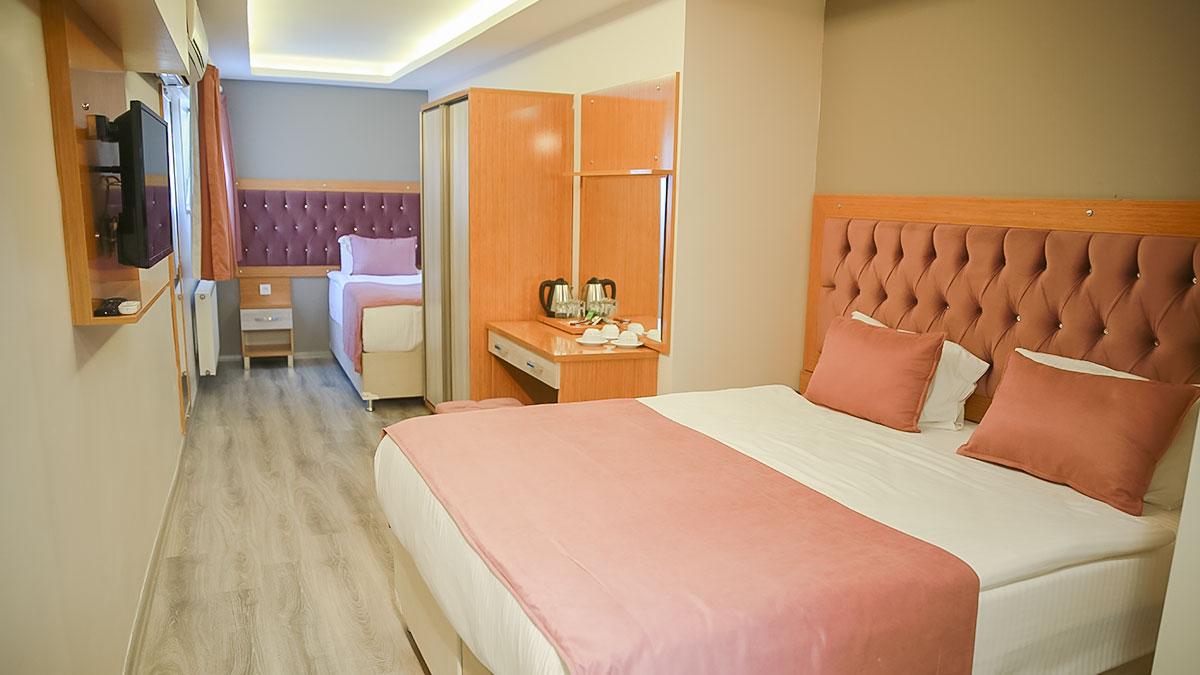 standard_triple_room.jpg