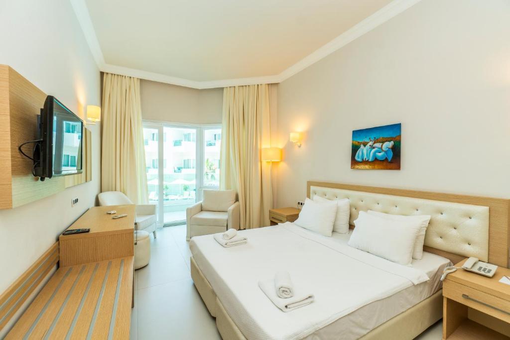 confort_triple_room.jpg
