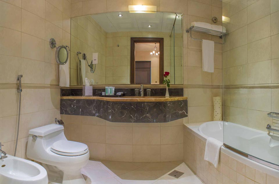 Image Ensuite-Bathroom1.jpg