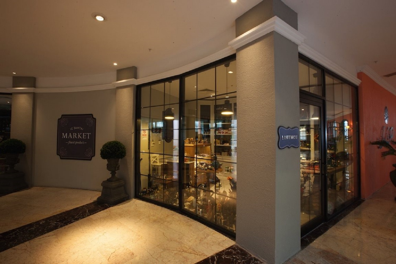 santai-hotel-shopping.jpg