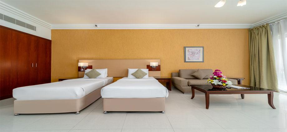 dlx-room-accom-cb1.jpg