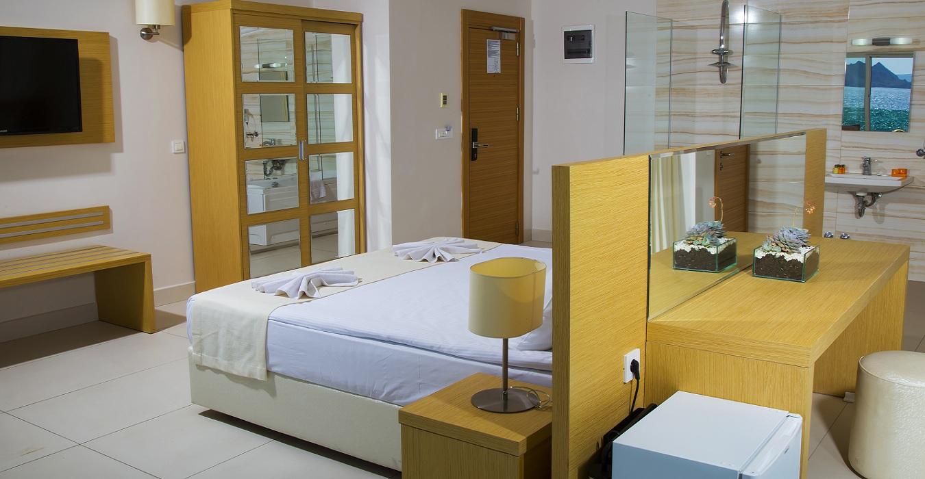 suit_room9.jpg